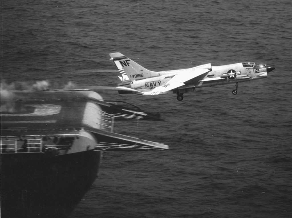 1024px-F-8J_of_VF-51_is_launched_from_USS_Bon_Homme_Richard_(CVA-31)_in_1970